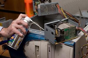 Почистить от пыли компьютер